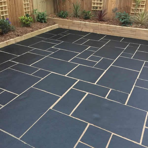 Black Limestone Patio Pack (M/C Natural) (18.36m2)