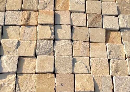 Fossil Buff Cobbles 100 x 100 (40-60mm H/C Tumbled) (9m2)